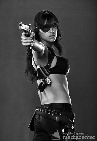 Девушки с оружием, подборка, пистолет. актриса.