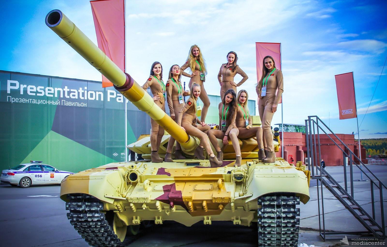 Женщины на танке фото, любительские фото девушек домашние эро