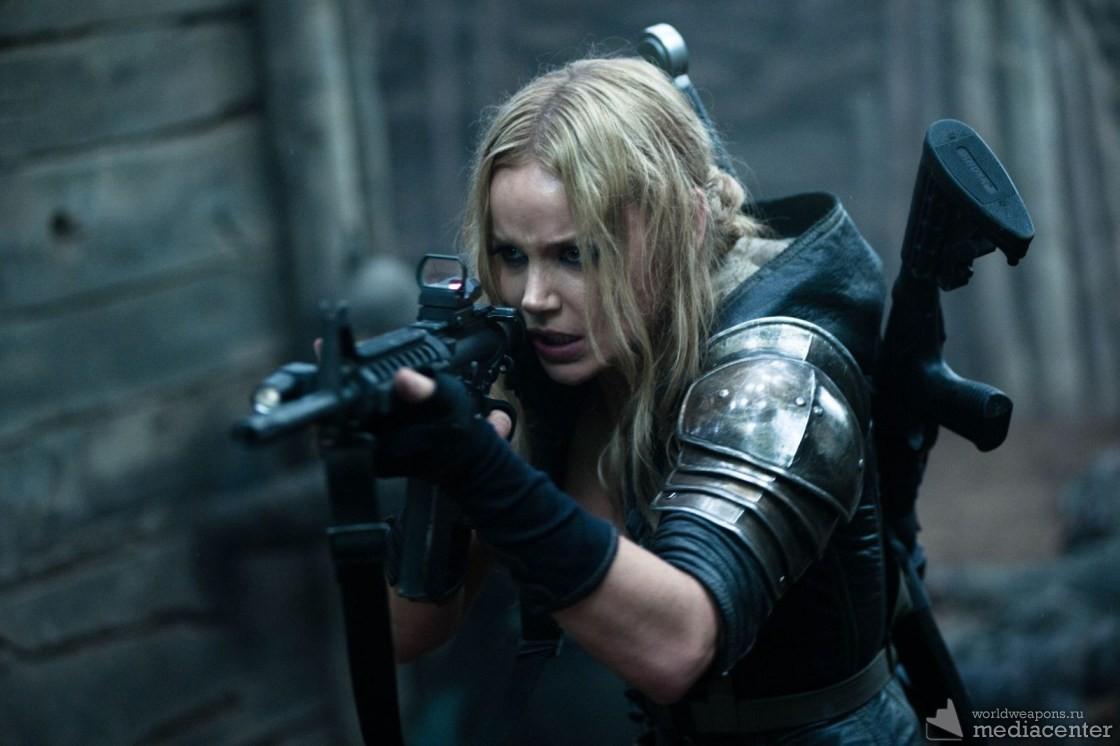 Katee Sackhoff with guns. Кэти Стэкхоф. Девушки с оружием подборка.