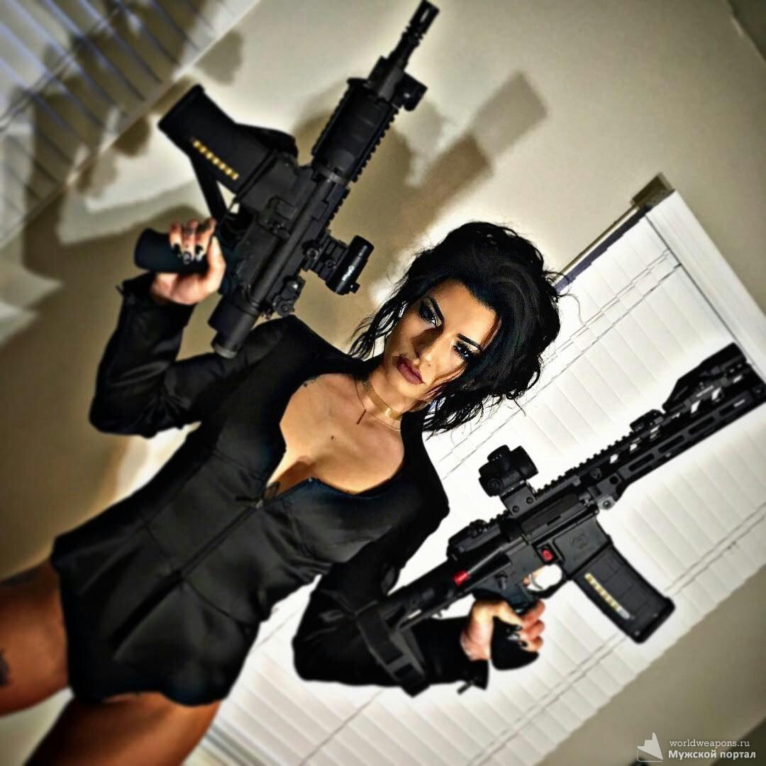 Linda Zora. Красивая девушка с оружием, брутальная красотка с автоматом, штурмовой винтовкой. Girl with Gun, Assault Rifle.