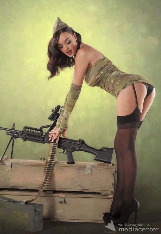 фото секси девушки в военной форме