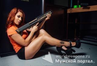 Большая подборка, коллекция красивых девушек с оружием. Горячо!