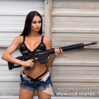 Уфф, опасная! Красивая девушка с оружием. Подборка 2017.