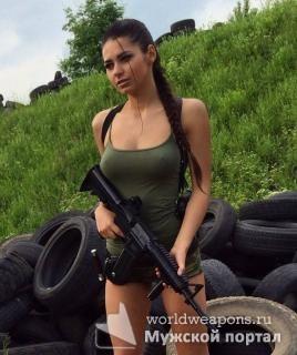 Красивая девушка с оружием, красотка, автомат, красота!