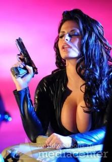 girls, girls with guns, guns, hot chicks, hot chicks with guns, hotties, hotties with guns, safe, women with guns