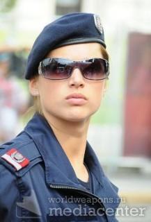 Девушки - полицейские