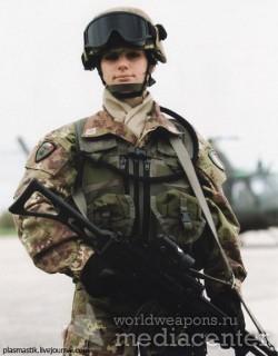Военные девушки Италии