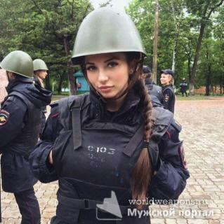 Красивая девушка, милашка в форме, полиция. Красотка. )